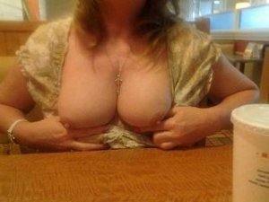 Liliane outcall swinger parties in Central Saanich, BC
