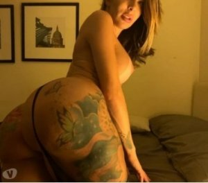 Sidelya escort girl in Farmington