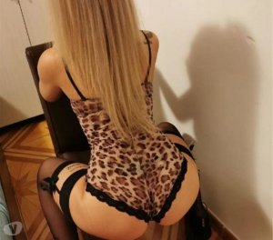 Thiphany polish escorts in Vancouver, WA